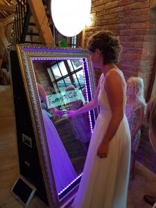 Braut beim Zauberspiegel/Fotobox Oberösterreich