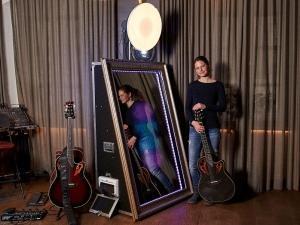 Kombi Music and Photobox